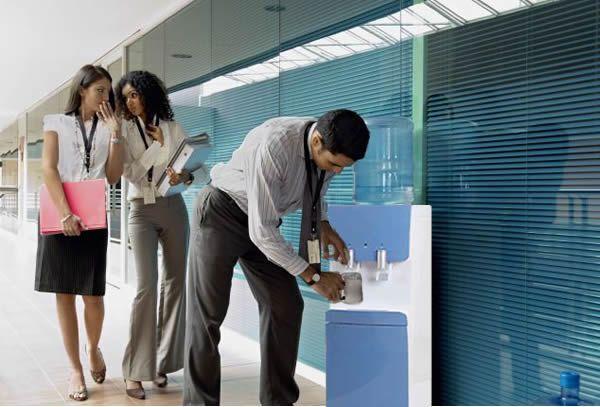 Font d'aigua per a oficines i empreses